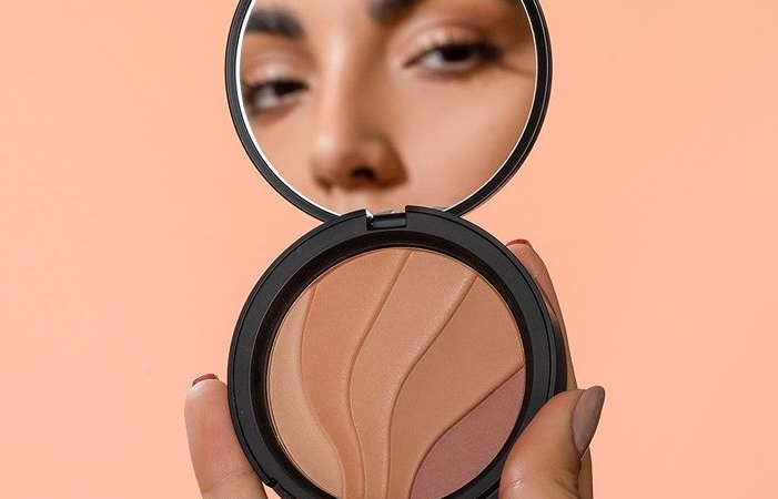 ELCIE COSMETICS PRESSED SETTING POWDER ON JUNE 2019 701x450 - ELCIE COSMETICS PRESSED SETTING POWDER ON JUNE 2019