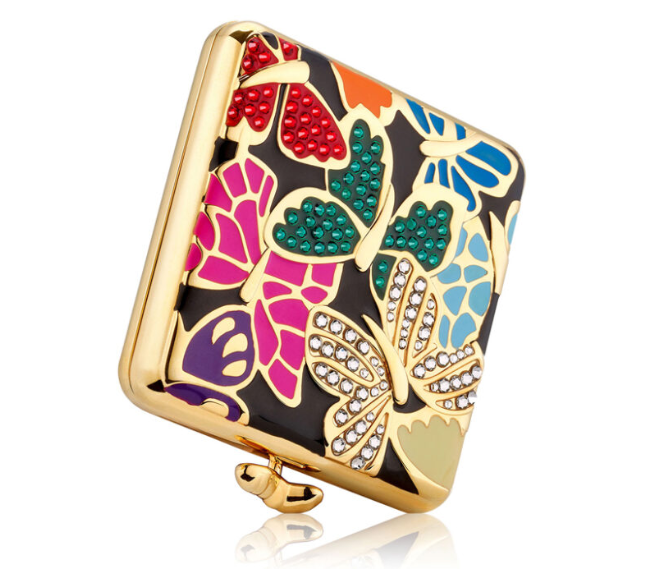 ESTEE LAUDER HOLIDAY 2019 COMPACTS BY MONICA RICH KOSANN 2 - ESTEE LAUDER 2019 Christmas Holiday Collection