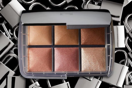 Hourglass Unlocked Ambient Lighting Palette 450x300 - HOURGLASS GHOST 2019 Christmas Holiday Collection