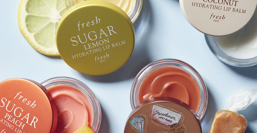 FRESH BEAUTY LIMITED EDITION SUGAR CARAMEL HYDRATING LIP BALM 1 867x450 - FRESH BEAUTY LIMITED-EDITION SUGAR CARAMEL HYDRATING LIP BALM