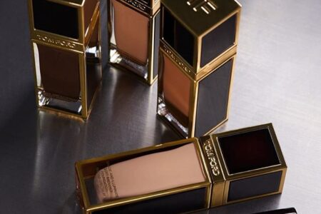 TOM FORD SHADE AND ILLUMINATE SOFT RADIANCE FOUNDATION SPF 50 EXCLUSIVE TO NORDSTROM 1 450x300 - TOM FORD SHADE AND ILLUMINATE SOFT RADIANCE FOUNDATION SPF 50 EXCLUSIVE TO NORDSTROM