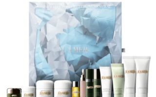 1 4 320x200 - La Mer Twelve Days Of Luminous Hydration Set