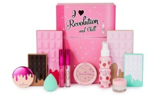1 8 320x200 - I Heart Revolution Christmas Gift Sets 2020
