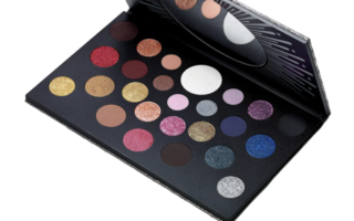4C0QQFO NJZG0FZT7YG03Y 320x200 - MAC Grand Spectacle Eye Shadow Palette