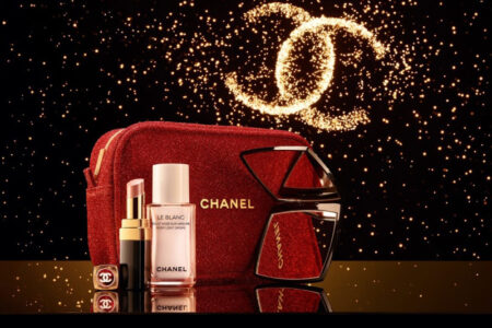 1 2 450x300 - Chanel Good To Glow Makeup Set