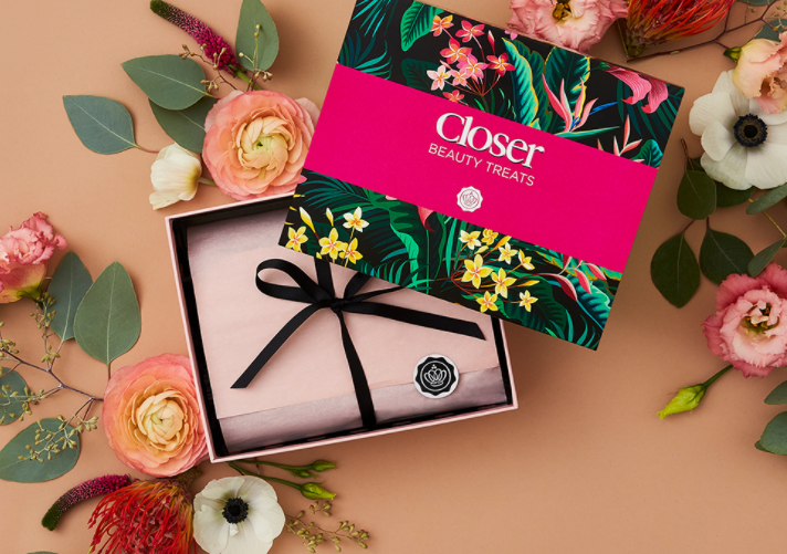 1 42 - Glossybox x Closer limited edition Beauty Box